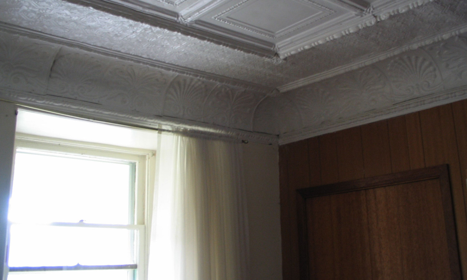 Interior Detail Image Showing Decorative Ceiling Work