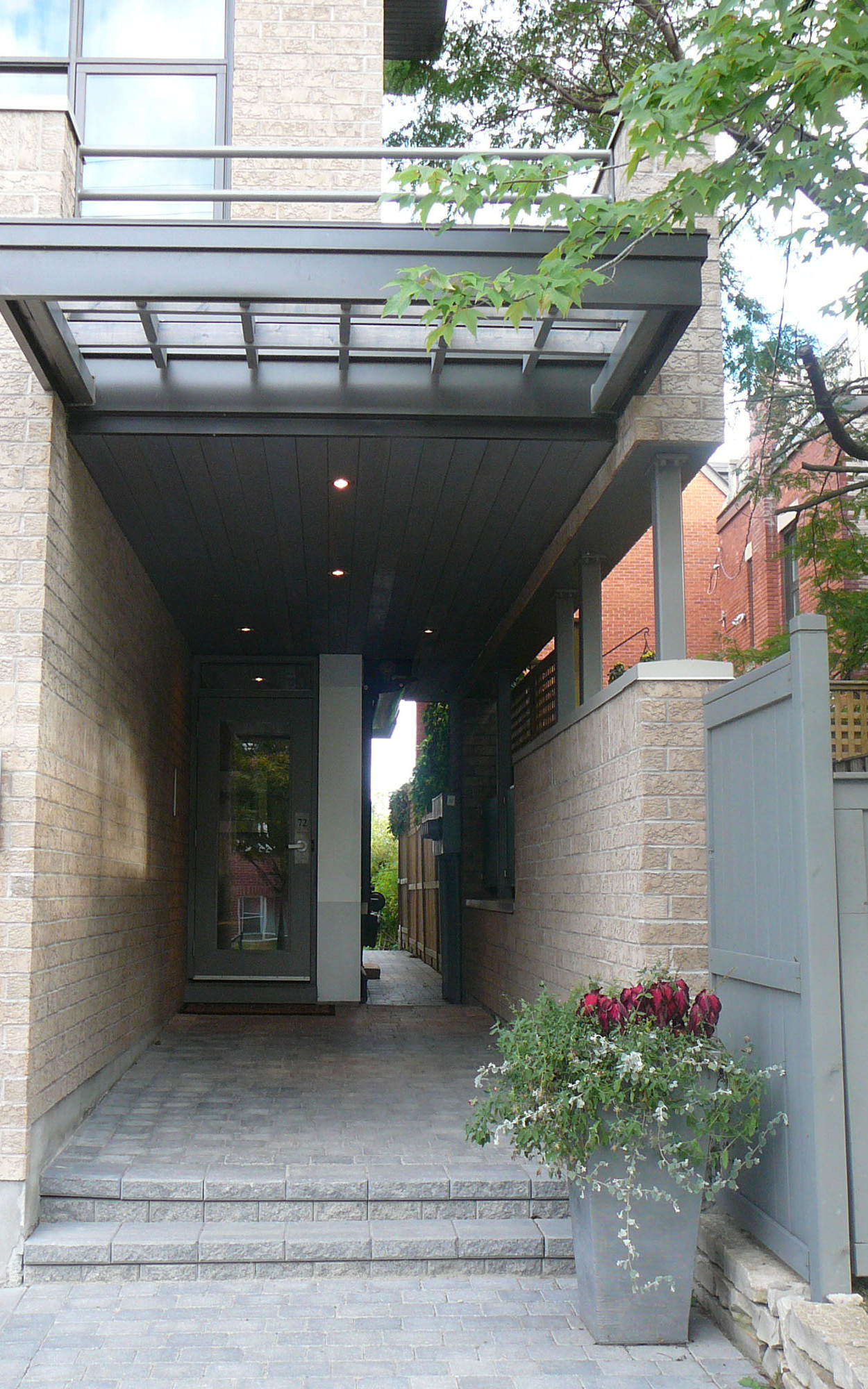 Detail Image of Entry from Frank Street